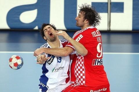 - (Fussball, Verletzung, Sportart)