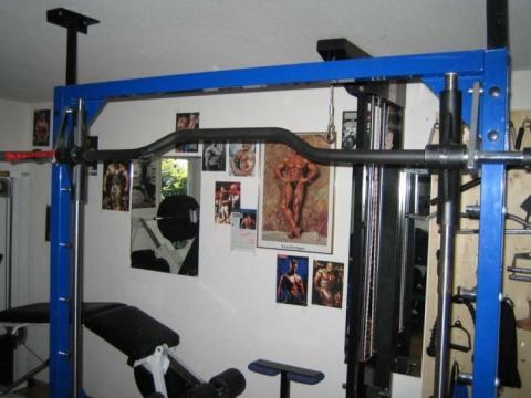 - (Fitnessstudio, Bauen)