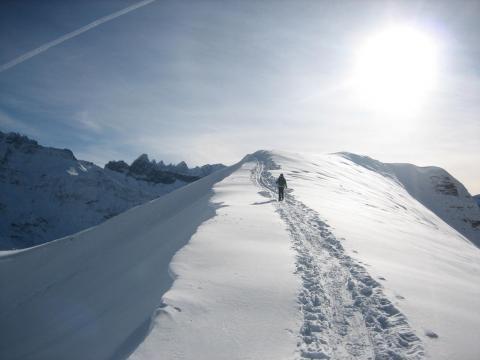 Am Fanenfürggeli mit Blick zu den Tschingelhörnern - (Schneeschuhe, Schneeschuhwandern, Schuhe Schnee Wanderung)