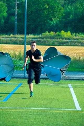 Sprinttraining mit Fussballprofi - (Sprint, Sprinttraining, Sprinttraining Fallschirm)