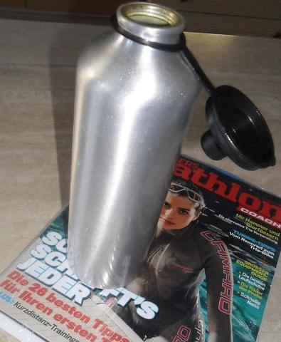 Trinkflasche aus Blech - (Sportausrüstung, Ausrüstung, trinken)