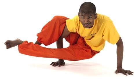 Seitliche Krähe Kakasana Yoga Asana - (Yoga, asanas, seitliche Krähe)