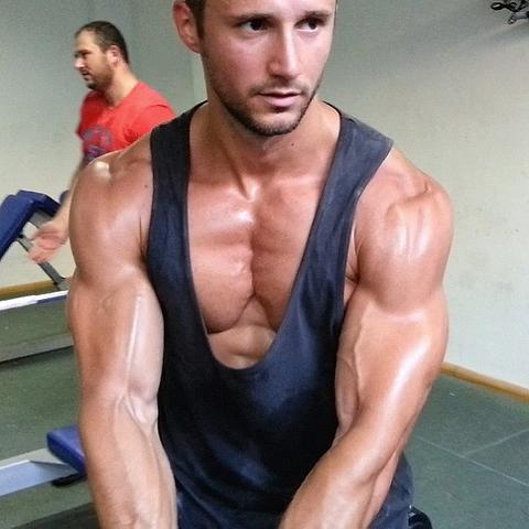 Muskelaufbau ohne Nahrungsergänzungsmittel - (Muskelaufbau, Fitness, Fitnessstudio)