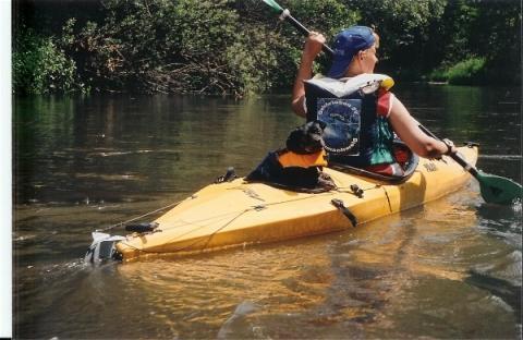 Charly nach dem baden wo wir mit einem sehr kippeligen Boot unterwegs waren der Beluga - (Tipps, Kajak, Kanu)
