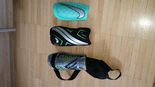 Von denen 3 - (Nike, Adidas Erima)
