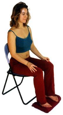 Meditation auf dem Stuhl - (Yoga, meditation, lotussitz)