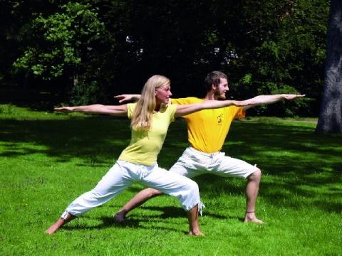 Yoga Held - (Training, Yoga, Zeit)