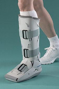 Bilduntertitel eingeben... - (Sportverletzung, Sprunggelenk, Knochenfraktur)
