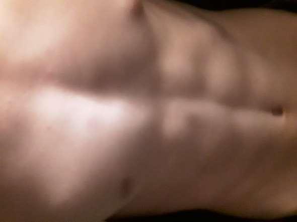 - (Training, Muskelaufbau, Sixpack)