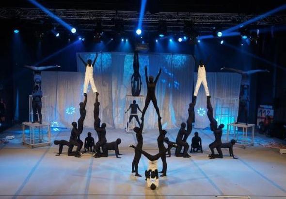 """Show """"Life"""" - (Turnen, tanzen, akrobatik)"""