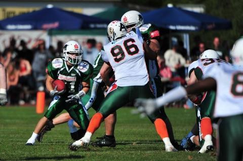 - (Verletzung, American Football, Leistungssport)