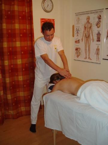 Bilduntertitel eingeben... - (massage, Effektivität, Verspannung)