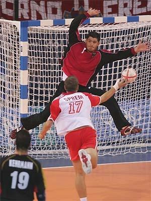 Bilduntertitel eingeben... - (Fussball, Handball, Umfrage)