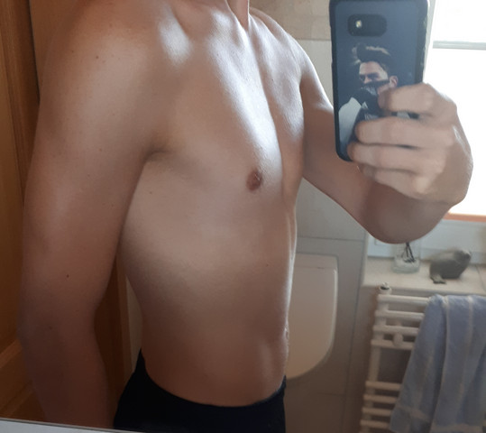 - (Krafttraining, Muskelaufbau, definieren)
